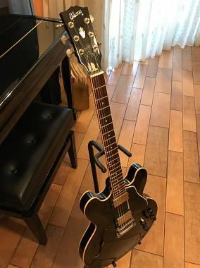 Gibson Custom Shop Gibson ES 335 Black Custom Shop 2011 reisseu