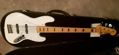 Squier by Fender Jazz Bass Vintage Modified V 70s 5 corde olympic white