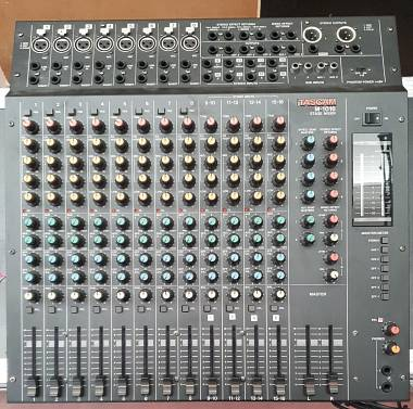 Tascam M 10-16  mixer analogico