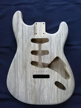 Body Stratocaster - Black Limba