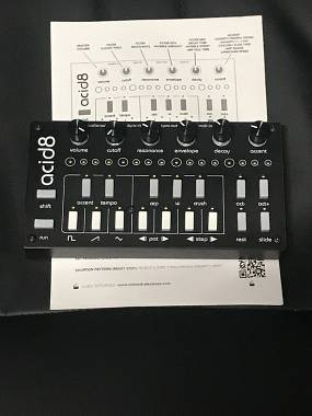 Twisted-Electrons Acid8 MK3 8Bit bass-line synth