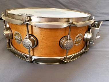 DW COLLECTOR'S SOLID SHELL 14x5.5