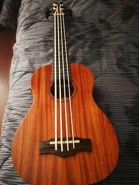 Eko UKU bass