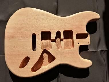 Body Stratocaster Style Okumé