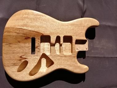Body Stratocaster Style Black Limba