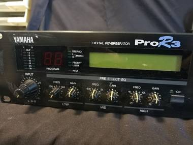 Yamaha PRO R3 Digital Riverberator