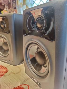 M Audio AV 42