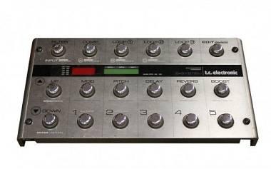 TC Electronic G-System IB modified + flight-case, rack 3U e 2 pedali espressione