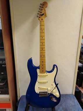 Squier by Fender JAPAN 1986 -NUMERO DI SERIE E673036 LAKE PLACID BLUE