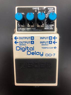 BOSS DD-7 DIGITAL DELAY SPEDITO GRATIS