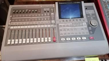 Roland VS1680