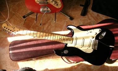 Fender MIJ '89 vendo (trattabile) /scambio (Gretsch/Epiphone/Eastwood...)